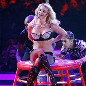 Britney Spears Gives Fan Lap Dance