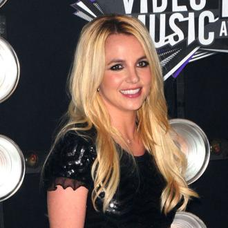 Britney Spears raises $1 million for charity