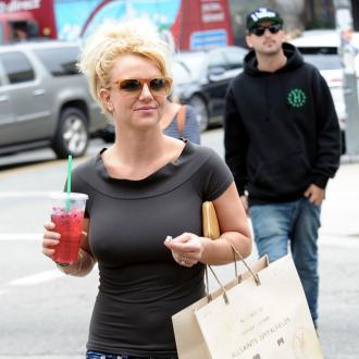Britney Spears' Ex Signs Privacy Agreement