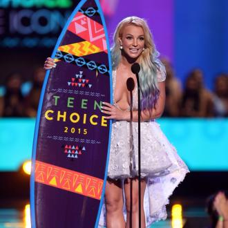 Britney Spears Named Style Icon At Teen Choice Awards