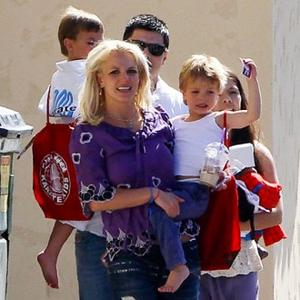Britney Spears Puts Kids First