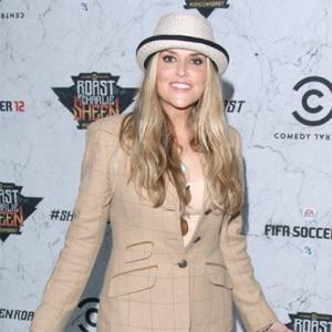 Brooke Mueller Checks Into Rehab