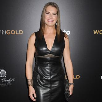 Brooke Shields has stopped pruning her eyebrows