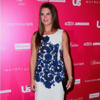 Brooke Shields Uses More Make-up