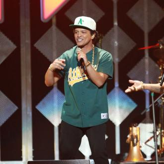 Bruno Mars serenaded by Ed Sheeran for his birthday