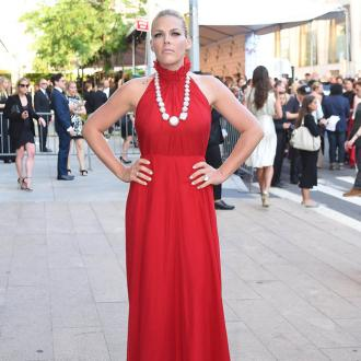 Busy Phillips embraces 'natural' skin