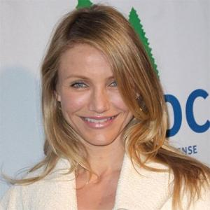 Cameron Diaz Mocks For Friends