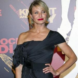 Cameron Diaz Flies For Love