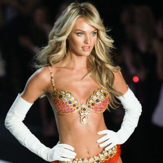 Candice Swanepoel Wears 10m Bra At Victoria's Secret Show