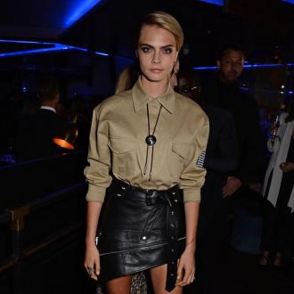 Cara Delevingne praises 'relentless' Taylor Swift