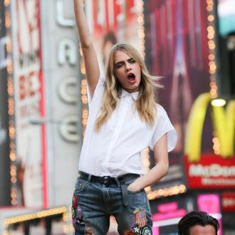 Cara Delevingne Set For New Year's Even World Trip?