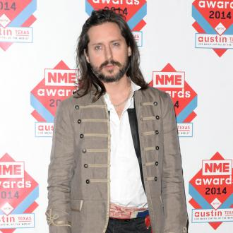 Carl Barat 'needs' therapy