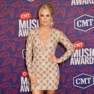 Carrie Underwood ate 800 calories a day