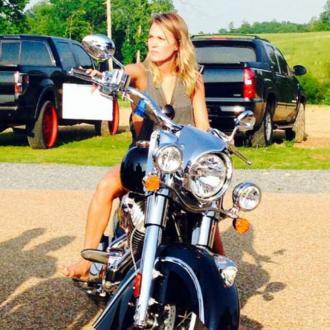 Miranda Lambert buys Carrie Underwood a motorbike