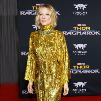 Cate Blanchett praises 'delightful' Chris Hemsworth