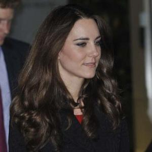 Casual Catherine Middleton Confuses Schoolchildren