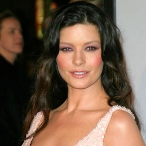 Catherine Zeta-jones Hopes Admission Helps Others
