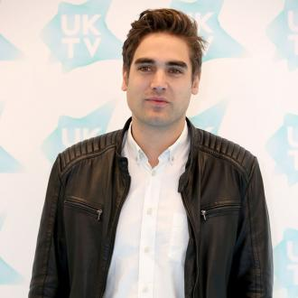 Charlie Simpson to be dad again