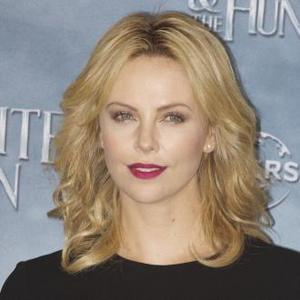 Charlize Theron Dishes The Dirt On Michael Fassbender