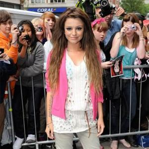 Cher Lloyd Planning Summer Wedding