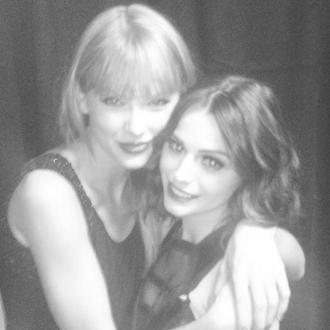 Taylor Swift Performs Duet With Cher Lloyd