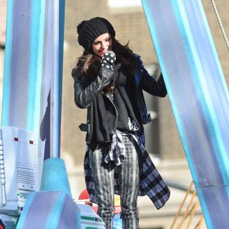 Cher Lloyd sings at Thanksgiving Day Parade