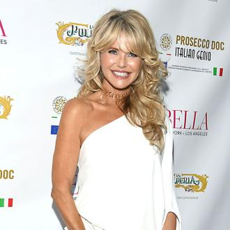 Christie Brinkley uses hair extensions to fight thinning hair
