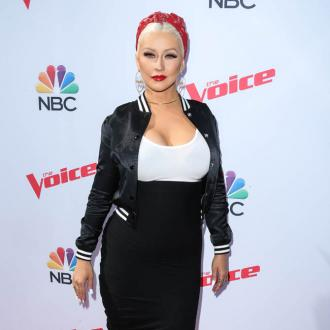 Christina Aguilera pays tribute to roadie dog