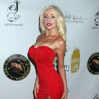 Courtney Stodden's 'violent' first kiss