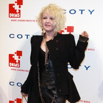 Cyndi Lauper pretends to be Madonna