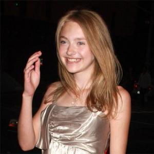 Lucky Schoolgirl Dakota Fanning