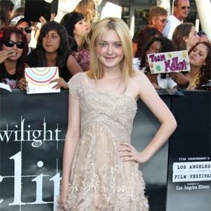Dakota Fanning Fit In With Accessories