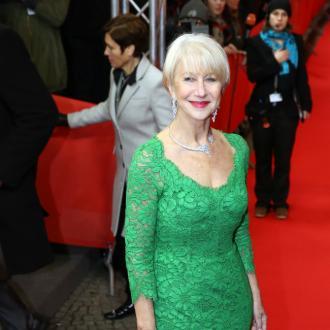 Dame Helen Mirren Keeps Oscar On Stairs