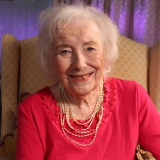 Vera Lynn set to be oldest singer to storm UK charts