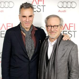 Lincoln's Daniel Day-Lewis scoops New York Critics' Prize