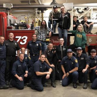 Dave Grohl serves up BBQ to wildfire firefighters