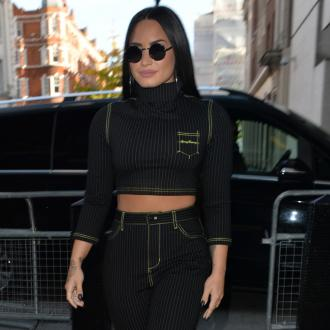 Demi Lovato battling swollen vocal chords