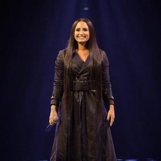 Demi Lovato celebrates sobriety