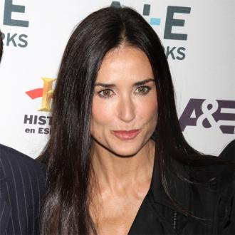 Demi Moore Crashes Stacy Keibler's Party With Stray Kitten