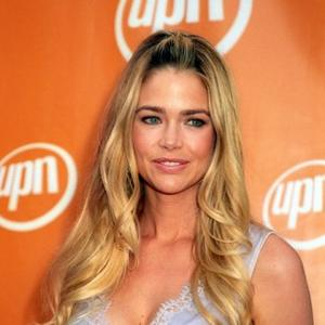 Hands-on Mum Denise Richards