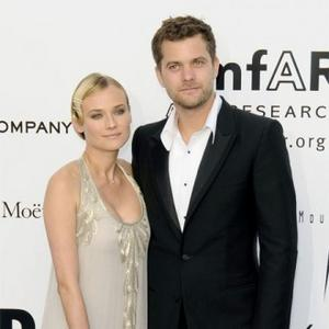 http://images.contactmusic.com/newsimages/diane_kruger_and_joshua_jackson_1111807.jpg