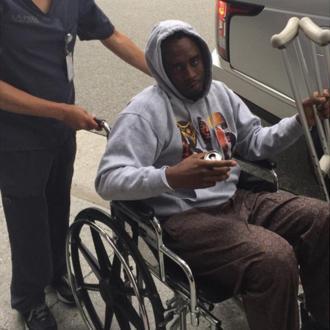 Diddy undergoes knee surgery