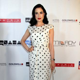 Dita Von Teese throws craft party