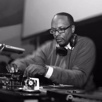 DJ Jazzy Jeff wants to perform at Glastonbury with Will Smith