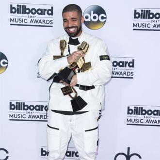 Drake donates $50k to homeless shelter