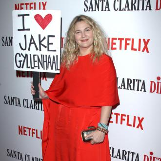 Drew Barrymore Declares Love For Jake Gyllenhaal With Sign