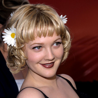 Drew Barrymore didn't feel 'very confident' with her short hairstyle at the 1998 Oscars