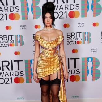 Dua Lipa didn't hesitate to change style for Versace shoot
