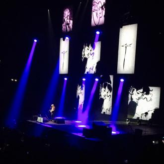 Ed Sheeran Makes London Crowd His 'Gospel Choir'
