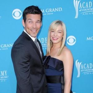 Eddie Cibrian In Hospital Dash